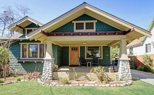 Restored Craftsman Home For Sale in Pasadena!
