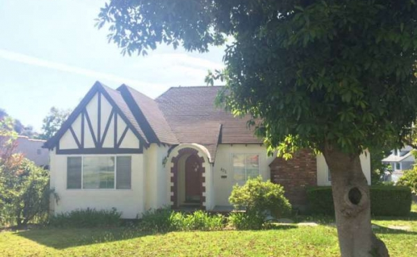 Just Sold in Glendale! Charming English Cottage