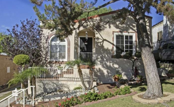 Charming Spanish Bungalow For Sale in Eagle Rock!