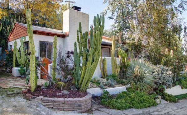Santa Fe-Style Hacienda in Eagle Rock