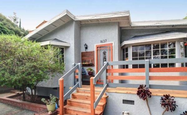Spacious 3 Bedroom, 2 Bath Home in Dahlia Heights Neighborhood