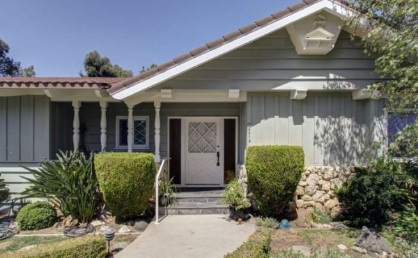 Midcentury Ranch in La Crescenta on Large Lot!