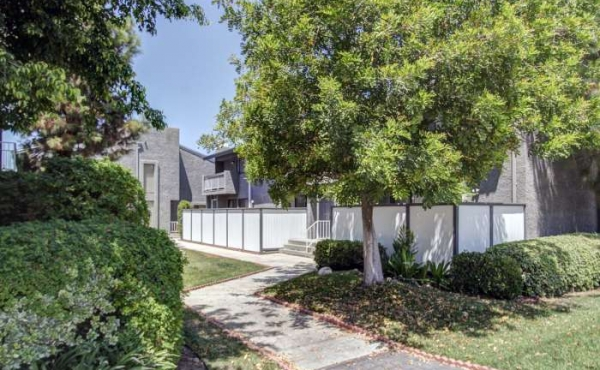Spacious Townhome for Sale in Duarte