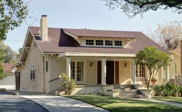 Large Craftsman-style Home on Beautiful Eagle Rock Street