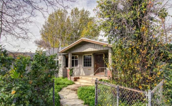 Fixer In Highland Park for Sale!
