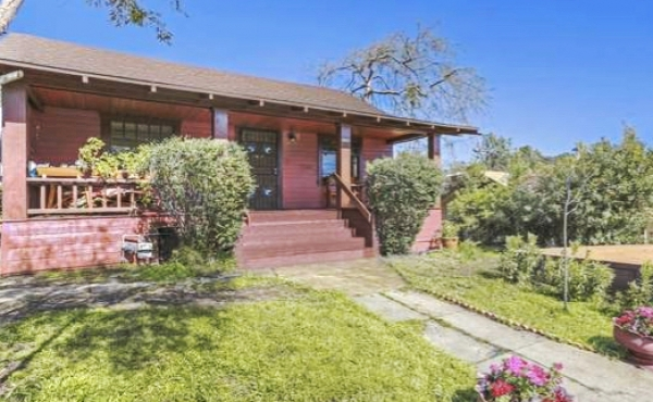 We helped our clients purchase this character-filled Craftsman bungalow in Highland Park.