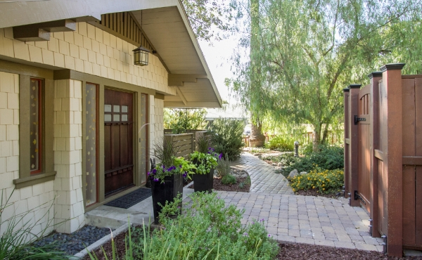 Craftsman Bungalow in Prime Eagle Rock Location!