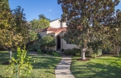 Spanish Bungalow in the Heart of Eagle Rock!