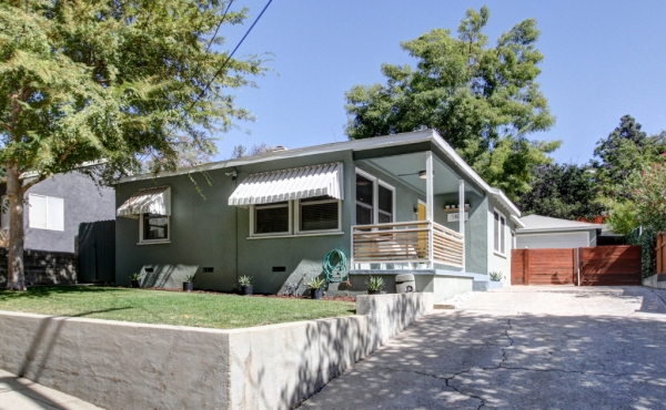 Modern Home in Highland Park For Rent!