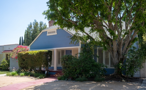 Charming Craftsman Bungalow in Larchmont For Rent!