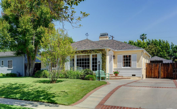 We Helped Our Clients Buy This Charming 1930s Cottage!