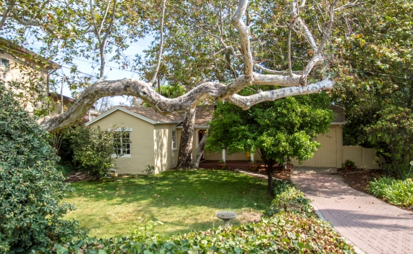 Character Home on Desirable Hill Drive in Eagle Rock!