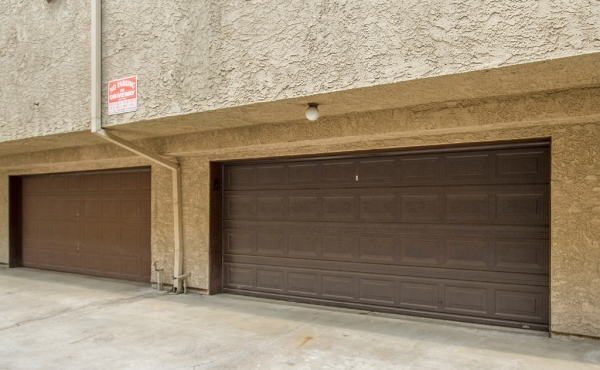 Private Garage Entry