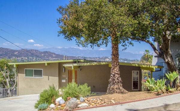 Midcentury Modern with Spectacular Views in Eagle Rock!