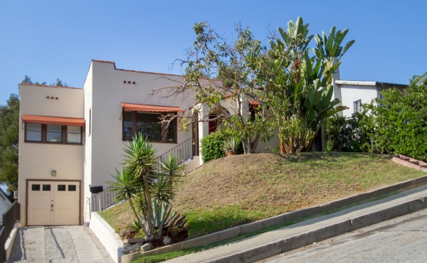 Spanish Charmer in the Hills of Highland Park