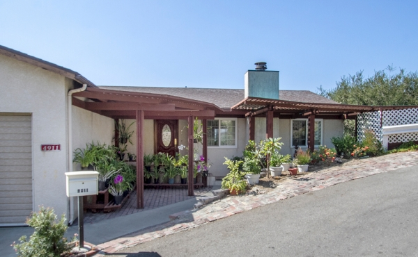 Spacious Eagle Rock Home with Sunset Views!