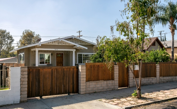 Modern Bungalow For Rent in Highland Park!
