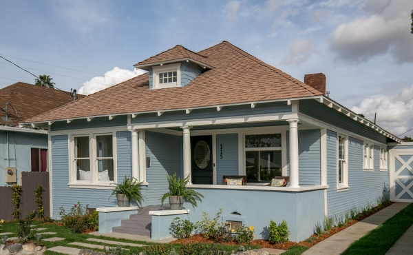 Renovated 1902 Bungalow in Lincoln Heights!