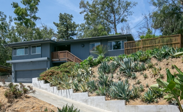 Midcentury Ranch on a Private Eagle Rock Street!
