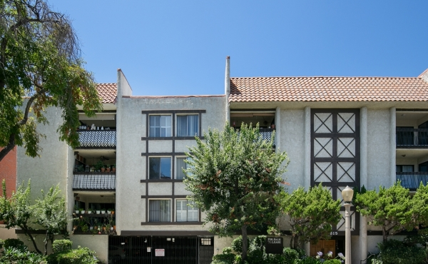 Sold! Spacious Condo in the Heart of Glendale!