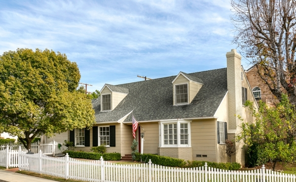 Leased! Cape Cod-style Home in Desirable Eagle Rock!