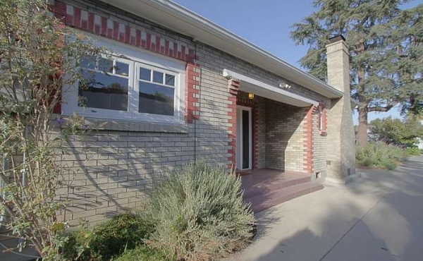 Pasadena Craftsman Cottage with Native Garden For Sale