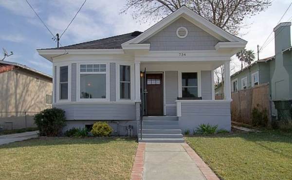 1905 Highland Park Craftsman Home with 3 bedrooms, 2 baths