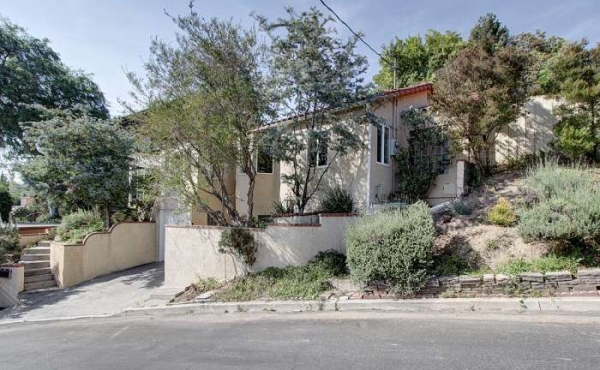 For Rent! Charming 2 bedroom, 2 bath Home in Eagle Rock