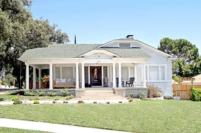 Craftsman colonial style home for sale in a prime eagle for Colonial style houses for sale